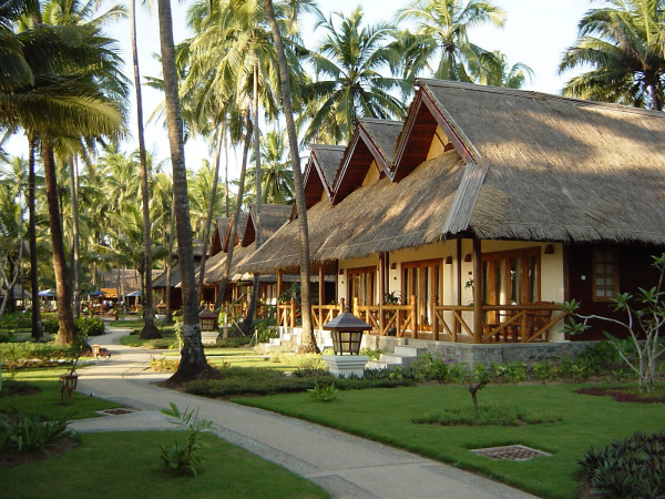 burma-ngwe-saung-myanmar-treasure-resort-gartenbungalow2-600x450.jpg