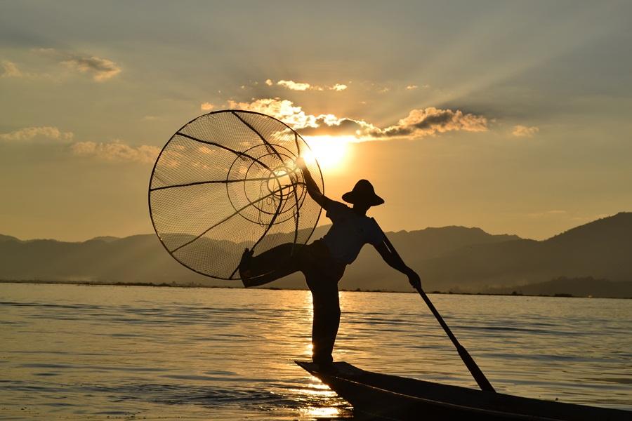 inle-lake-fisherman.jpg