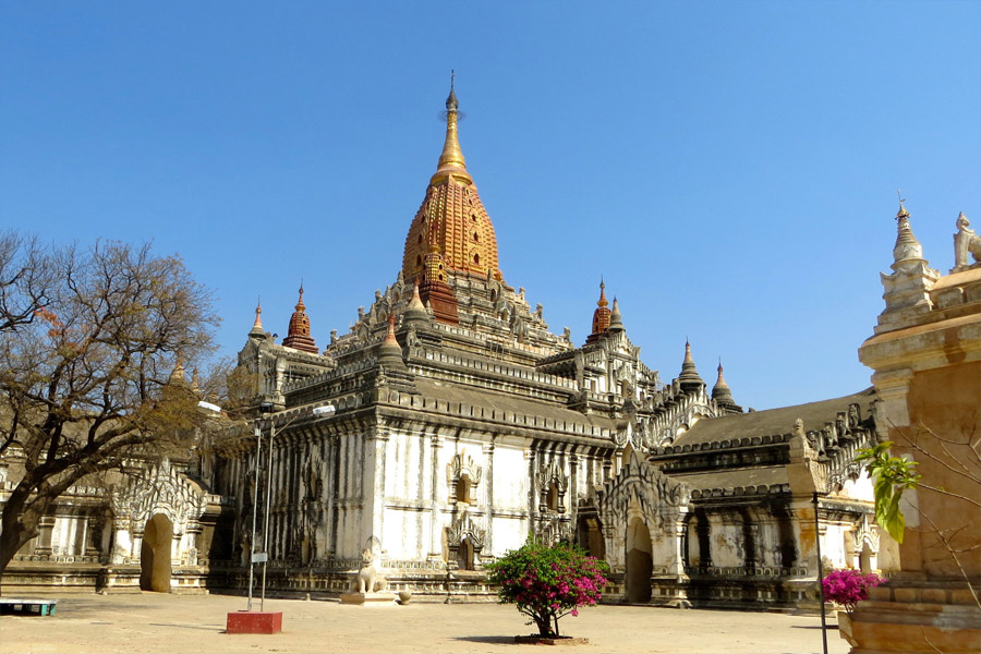 Ananda-Temple1.jpg