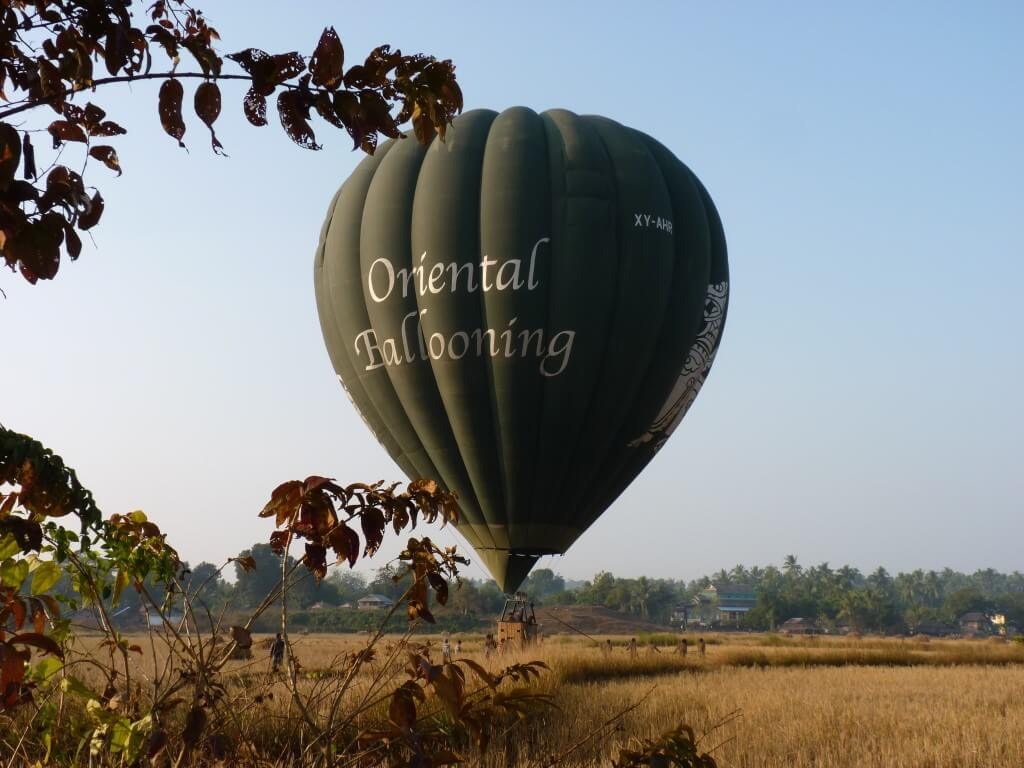 balloon-over-ngapali-3.jpg