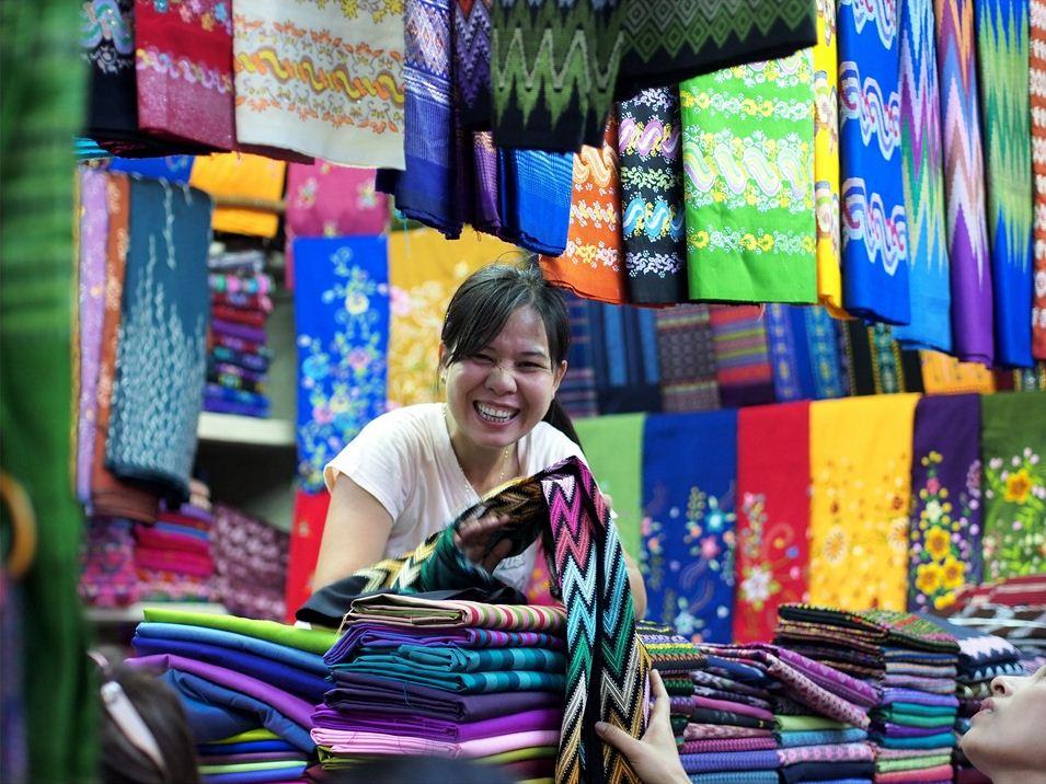 bogyoke-aung-san-market.jpg