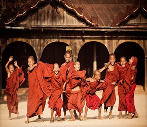 myanmar-monks