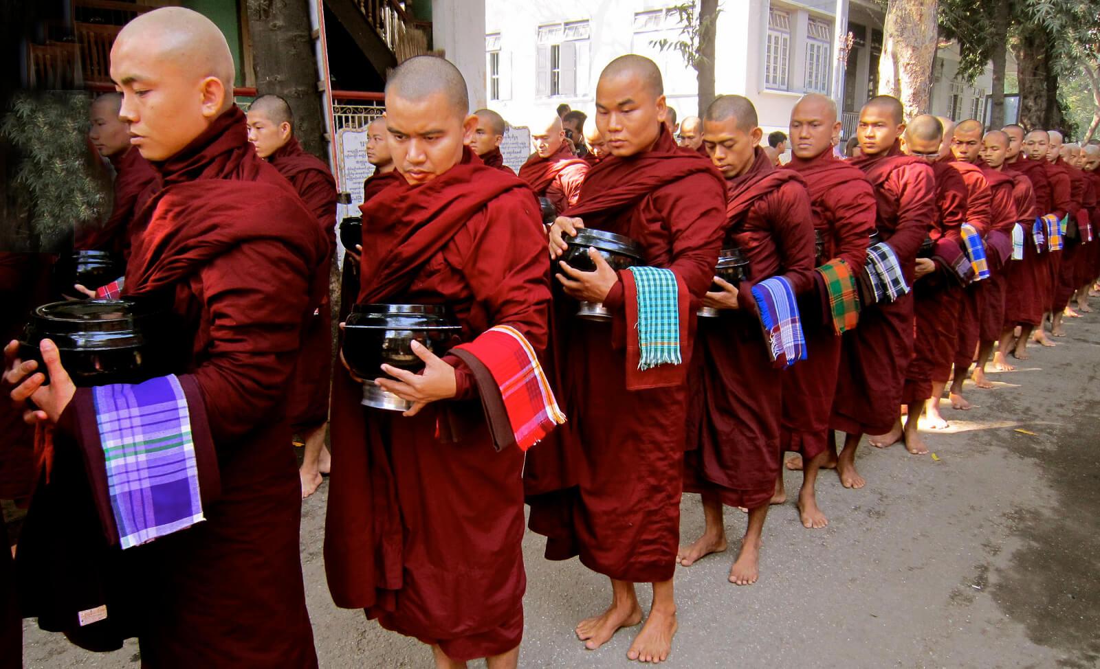 Mandalay-monastery.jpg