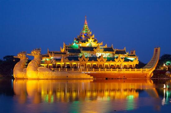 Yangon-Karaweik-Hall.jpg