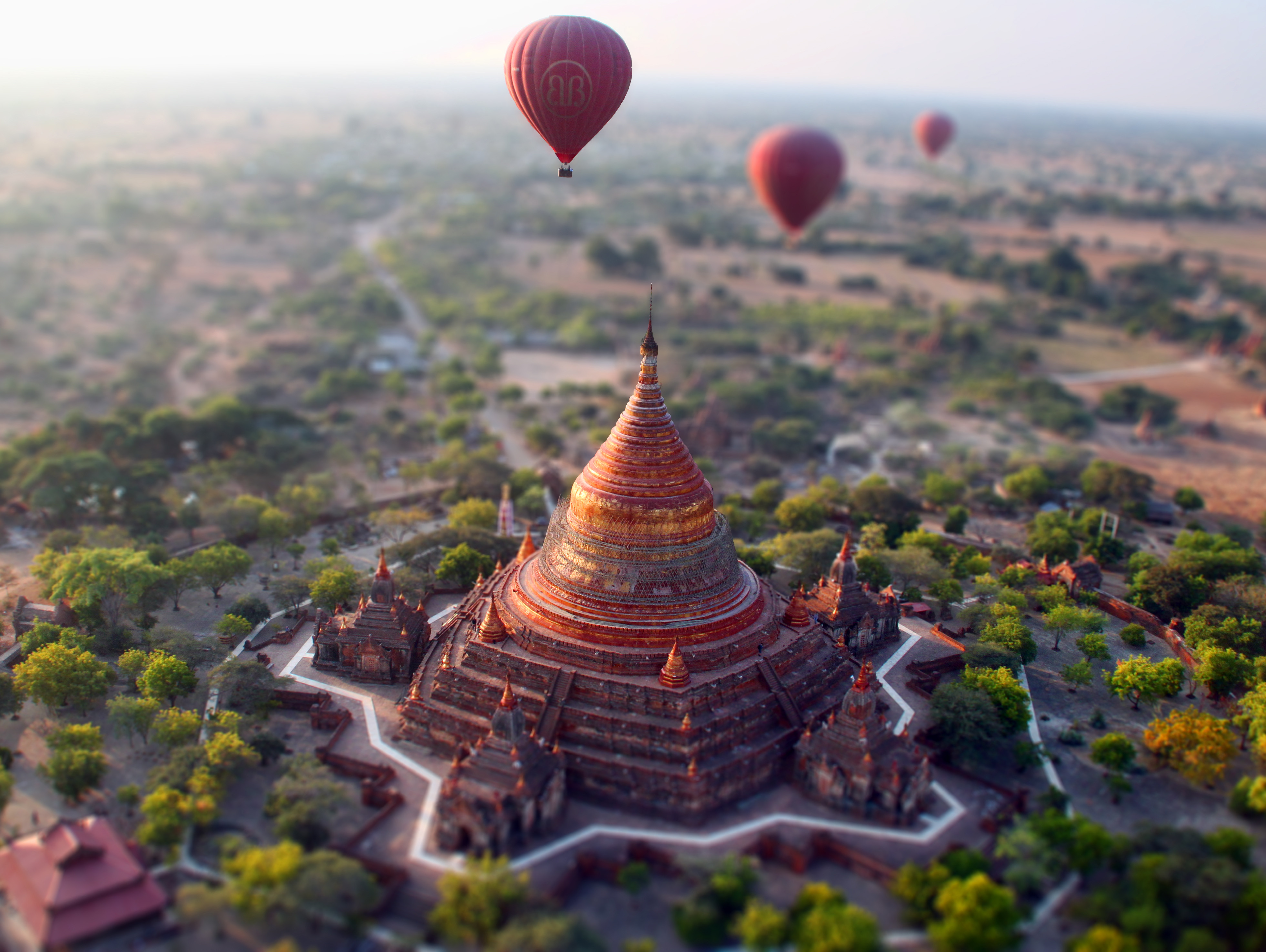 bagan-balloon.jpg